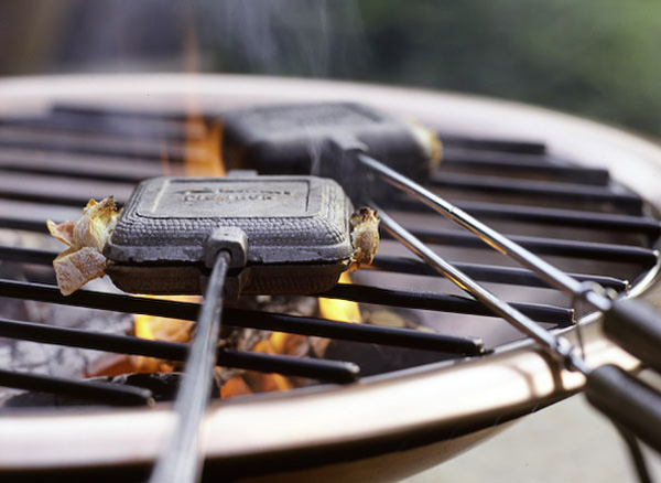 Outdoor dining, grill, sandwiches, sandwich press, flames