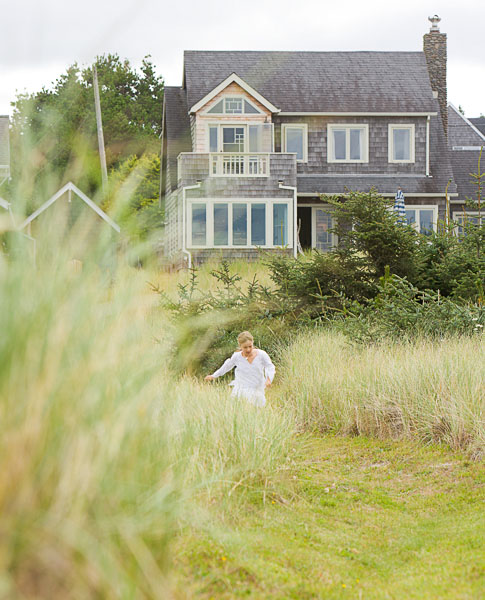 Beach, Beach house, vacation house, girl, running, tall grass, summer, child