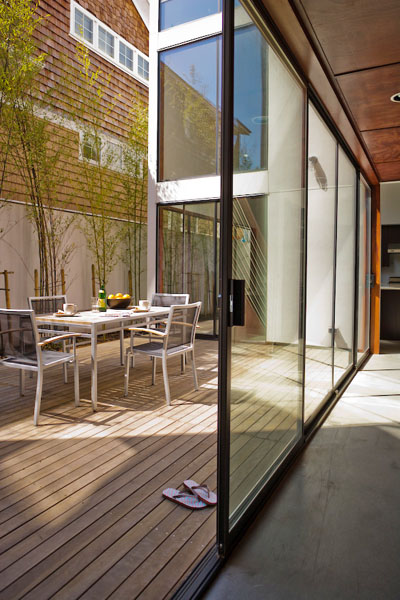Residential, wood deck, modern, outdoor dining, floor to ceiling windows