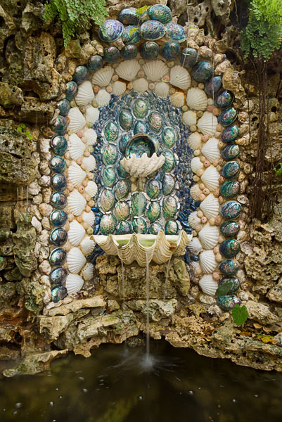 fountain with shell decorations, pond, pool
